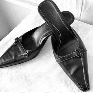 Cole Haan City black mules w/kitten heel sz 6